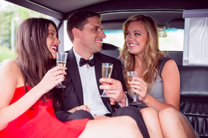 vancouver-limousine-services-party-night-out1
