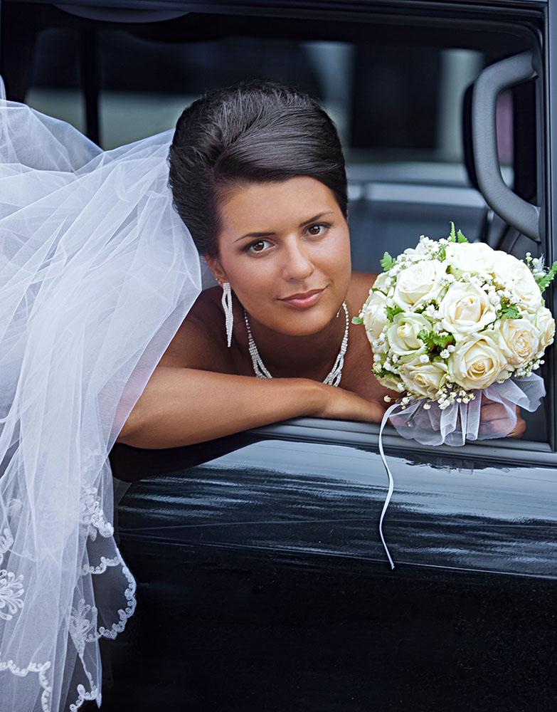 wedding-day-limousine-services-bride1